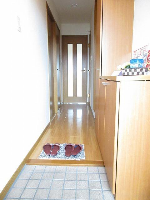 プリムヴェール 01030号室の玄関
