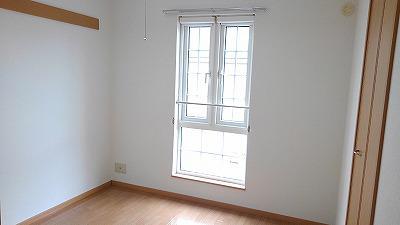 グランディ Ⅲ 02010号室の居室