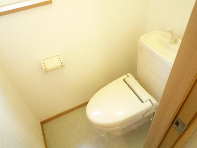 クレストールY・M Ⅱ 01020号室のトイレ