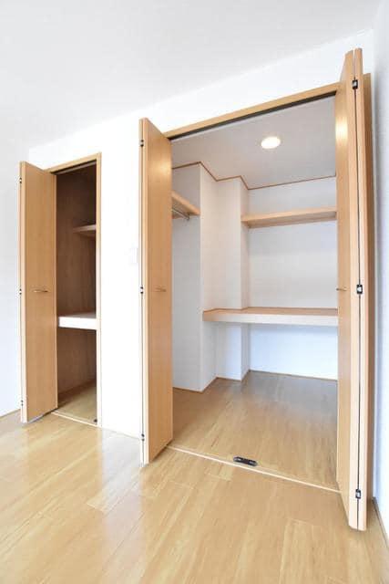 ポム・ド・テ-ルB 01020号室のトイレ