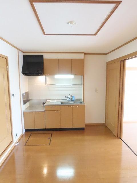 ヴェルドミールB 01020号室のリビング
