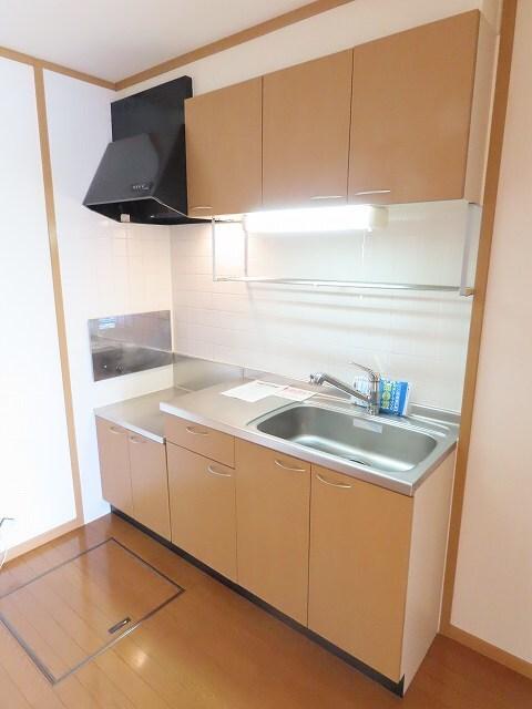ヴェルドミールB 01020号室のキッチン