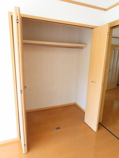 ヴェルドミールB 01020号室の収納
