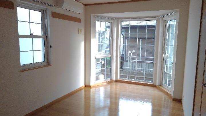 カナルガーデン 01010号室の居室