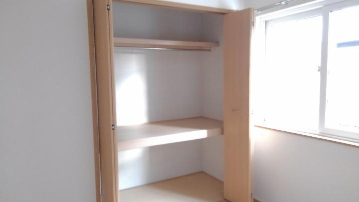 カナルガーデン 01010号室の収納