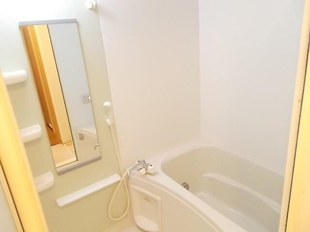 プレーヌ・フォンテーヌⅣB 01010号室の風呂