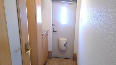 ルミエール弐番館 01030号室の玄関