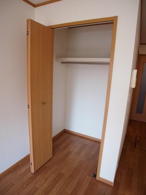 スプリングヒルズ 01010号室の洗面所