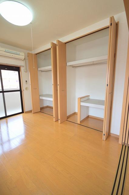 サンライク箱崎 04010号室の収納
