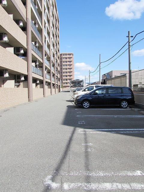 レジデンス19 04030号室の駐車場