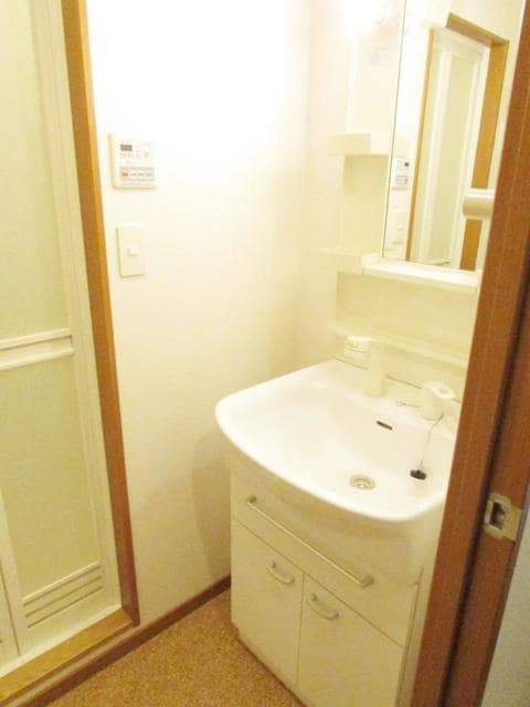 オーレオール 03040号室の洗面所