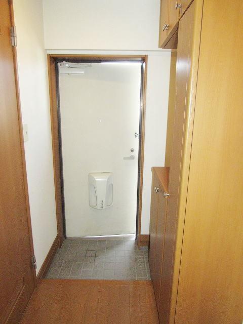 アイタス福岡 09080号室の玄関