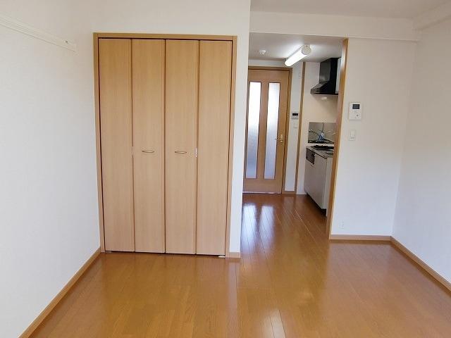 カーサ ヴェンティ 04020号室の居室
