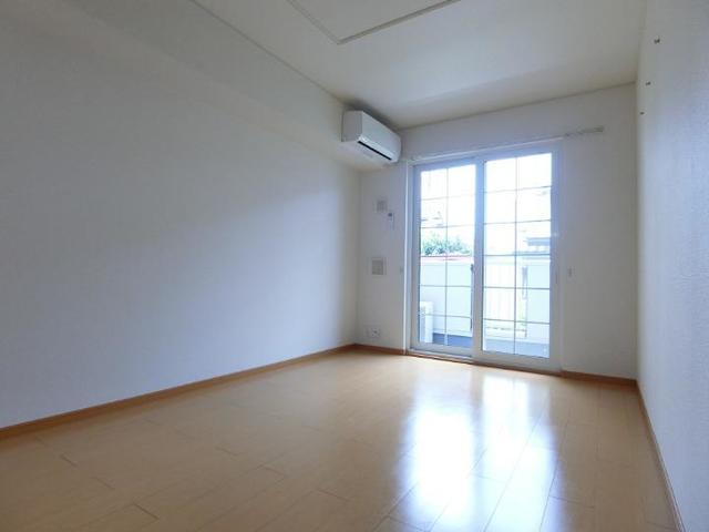 ソレイユB 01020号室のキッチン