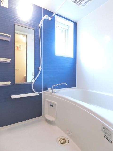 ソレイユB 01020号室の風呂