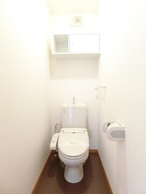 ソレイユB 01020号室のトイレ