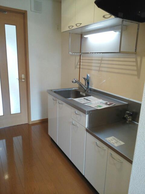 マ-ベラス ヴィラ 02030号室のキッチン