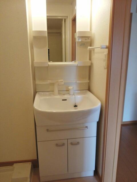 マ-ベラス ヴィラ 02030号室の洗面所