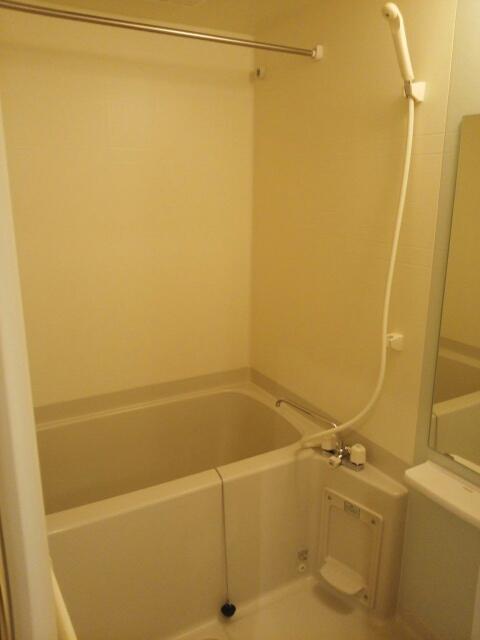 マ-ベラス ヴィラ 02030号室の風呂