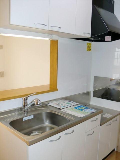 ブルックホーム 02020号室のキッチン