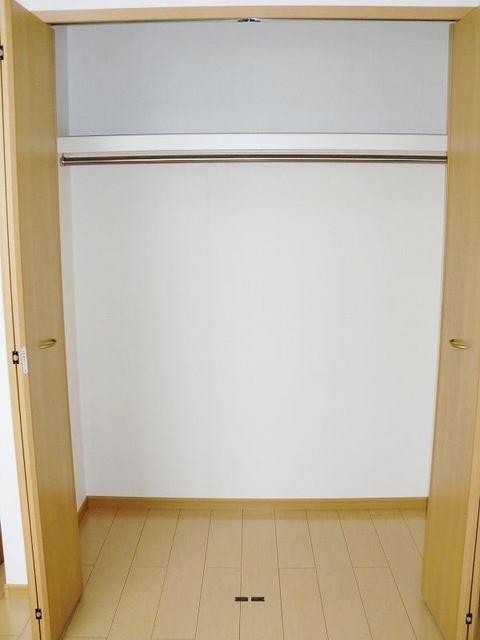 ブルックホーム 02020号室の収納