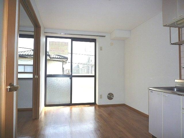 ビュ-ハイム・三橋 02020号室の居室