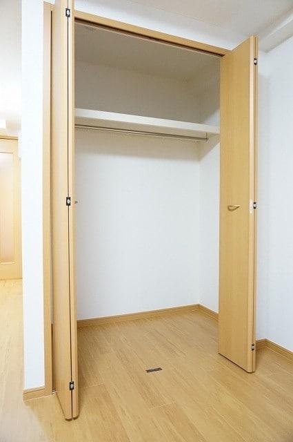 メルヴェーユ 06050号室の収納