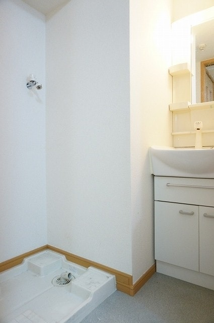 メルヴェーユ 06050号室の洗面所