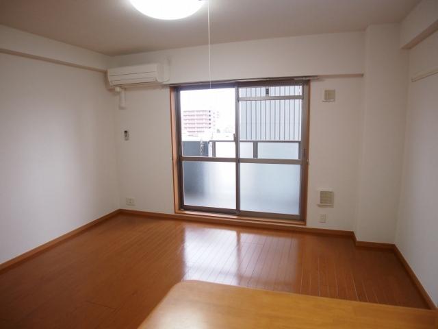 メルヴェーユ 07030号室の居室