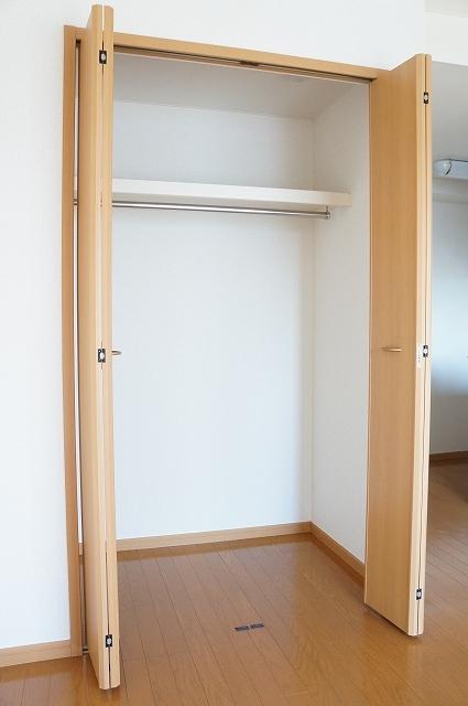 メルヴェーユ 10040号室の収納