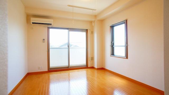 ハピネス北上尾 03030号室の居室