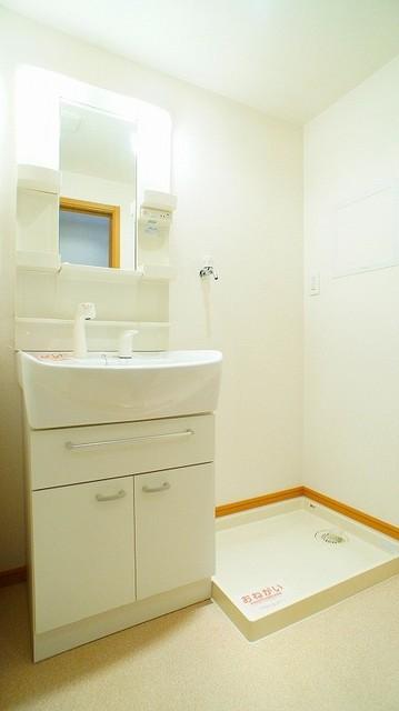 ハピネス北上尾 03030号室の洗面所