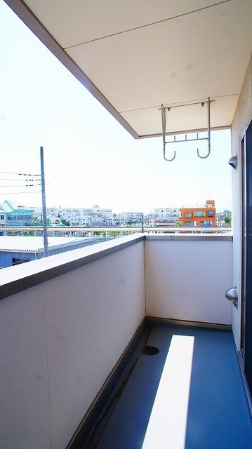 ハピネス北上尾 03030号室のバルコニー