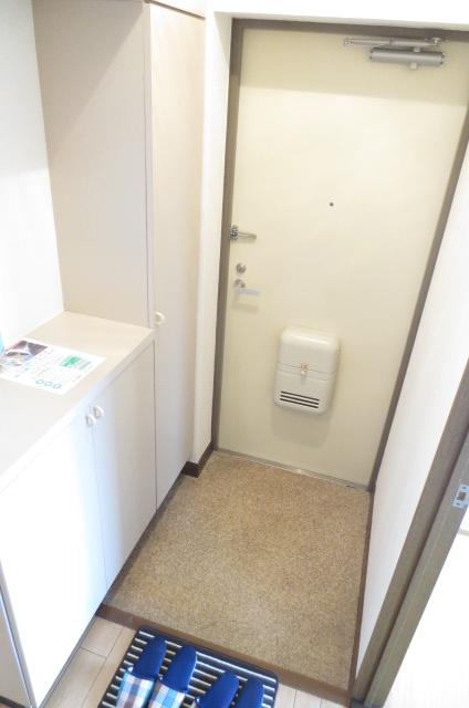 ビューテラス 03020号室の玄関
