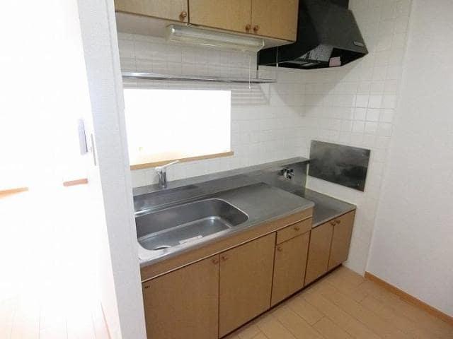 ガ-デンヒルズC 02020号室のキッチン