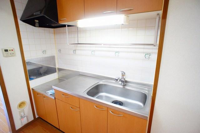 ファミ-ルメゾンC 01010号室のキッチン