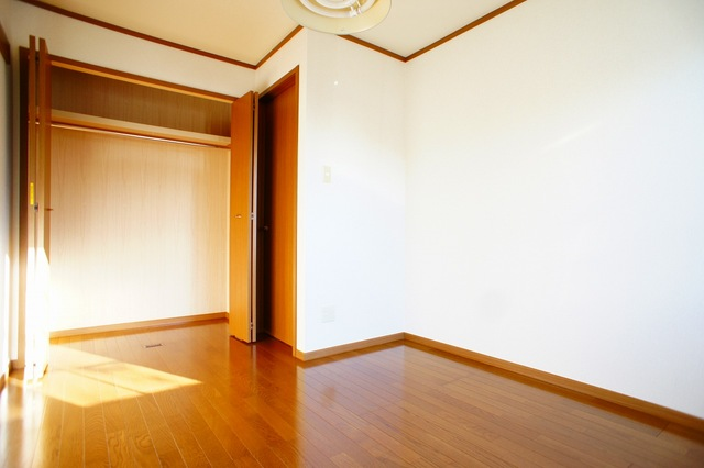 ファミ-ルメゾンC 01010号室の収納