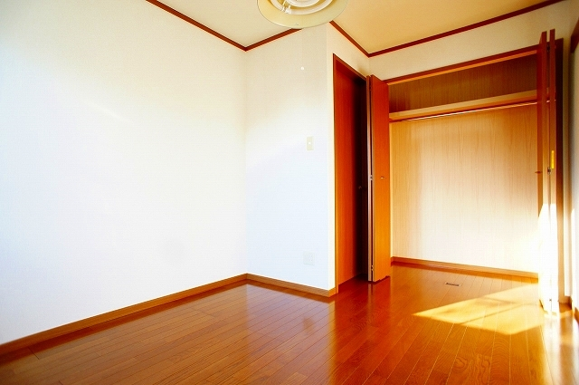 ファミ-ルメゾンC 01030号室の収納