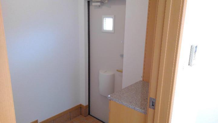 ベルマ-シュ 01010号室の玄関