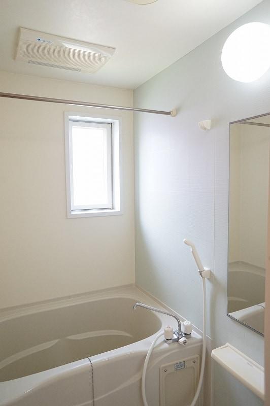 サンパティークⅣ 02010号室の風呂