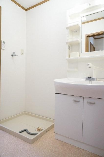 前原ドリームハウスⅢ 02010号室の洗面所