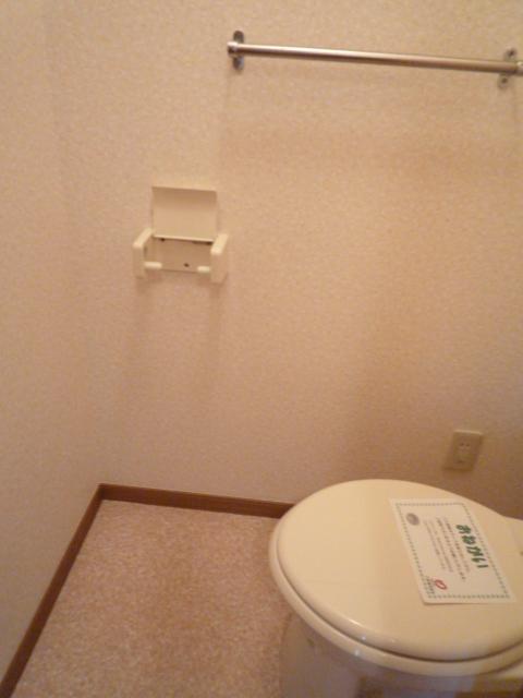 前原ドリームハウスⅢ 02010号室のトイレ