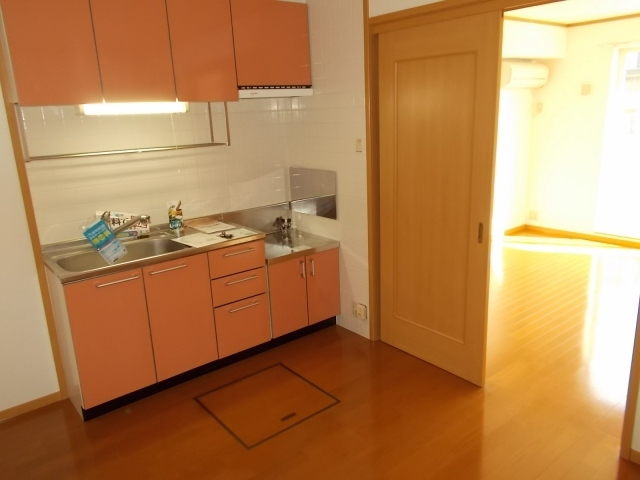 クレストヒルズ 01030号室のキッチン