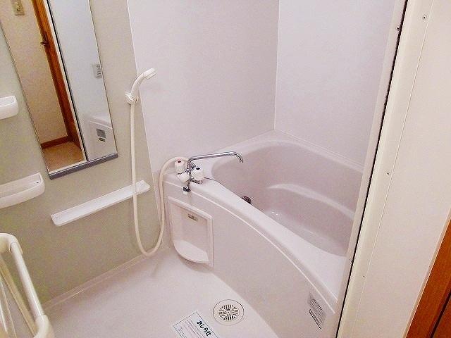 クレストヒルズ 01030号室の風呂