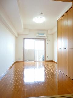 ネオ筥松 08080号室のリビング