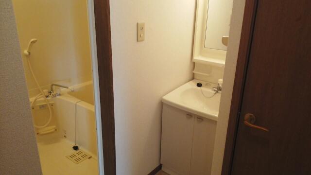 プリムローズ 02010号室の洗面所