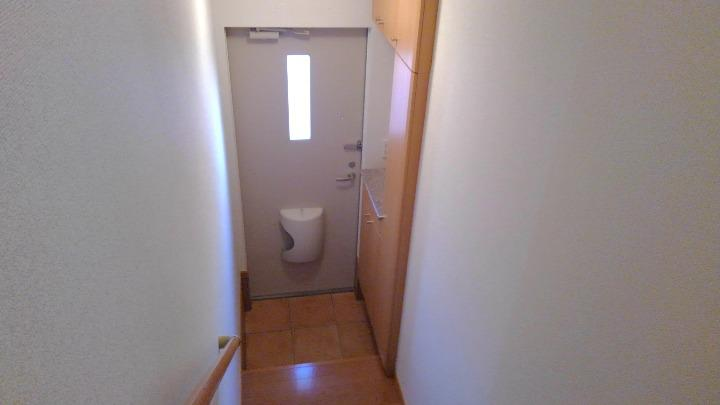 フォンターナ 02010号室の玄関