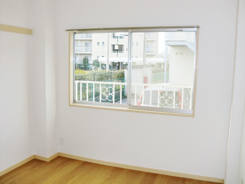 エルディムロックスプリングB 01030号室の居室