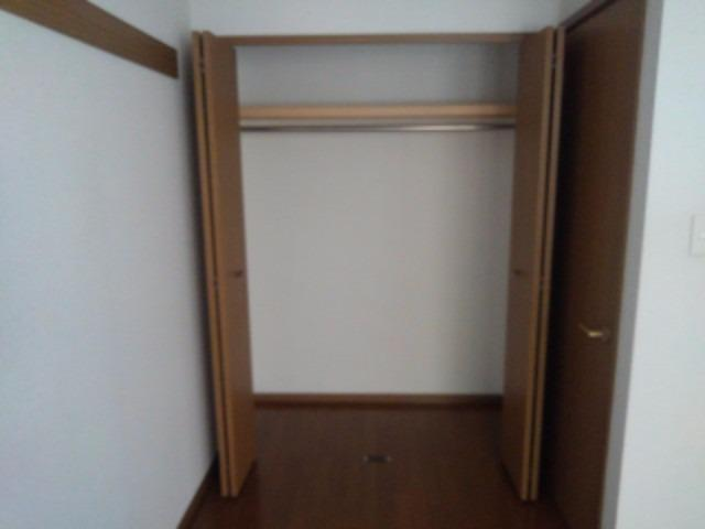 エスポワールB 01010号室の収納