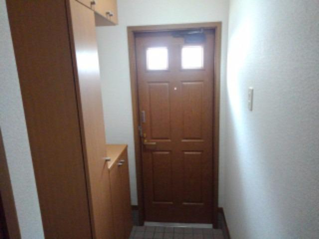 エスポワールB 01010号室の玄関